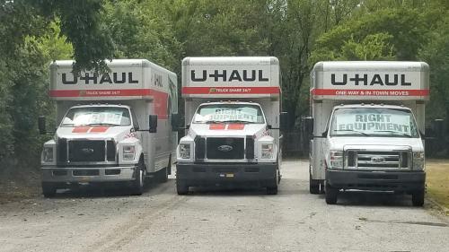 U-HAUL lots in Texas are overflowing